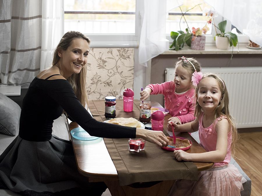 wspólny posiłek z dziećmi