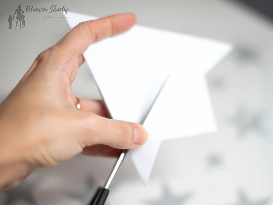 jak zrobić śnieżynkę z kartki