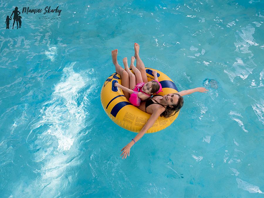 z dzieckiem na basen