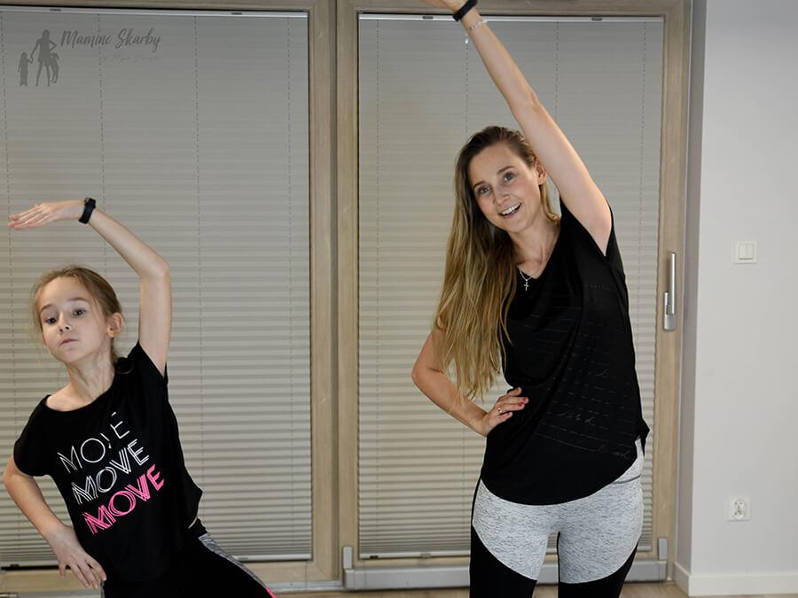 mama i córka ćwiczymy